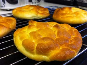 buns-cloud-bread-01